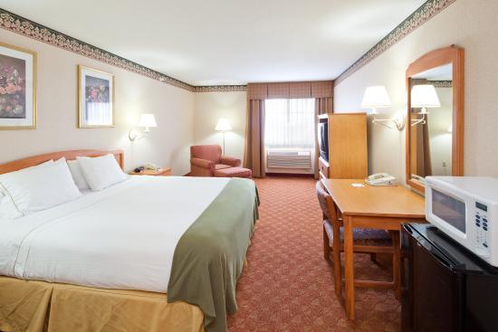 Holiday Inn Express Wauseon