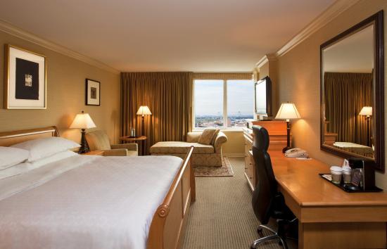 쉐라톤 라과디아 이스트 호텔