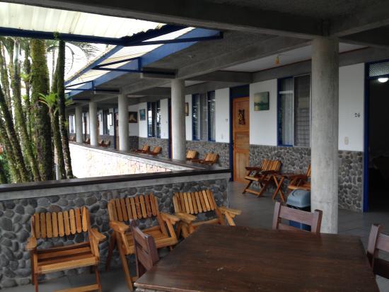 San Bosco Inn: Area outside the rooms on 2nd floor