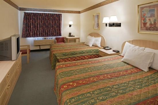 Americas Best Value Inn - Winslow: Double Queen