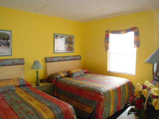 Beach Quarters Resort: Bedroom