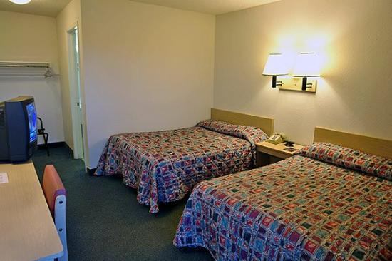Motel 6 Iowa City: MDouble