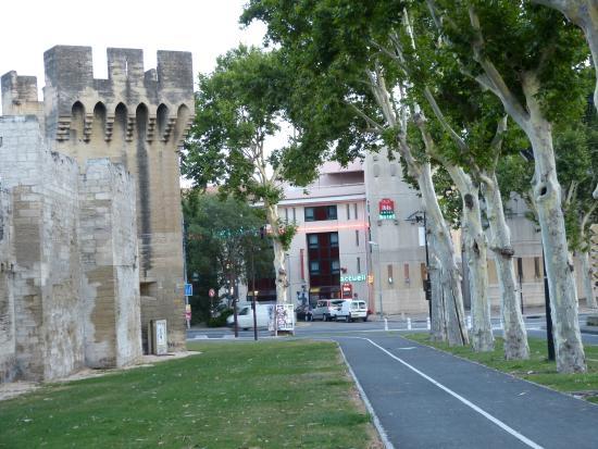 Ibis Avignon Centre Pont de l'Europe : Sett fra gamlebyen