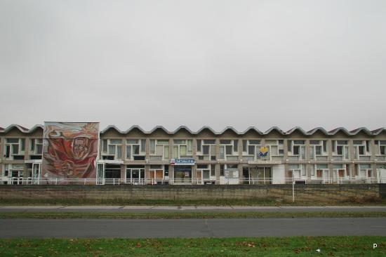Schwedt, Germany: Nowopolozk Building  (from Friedrich-Engels-Strasse)
