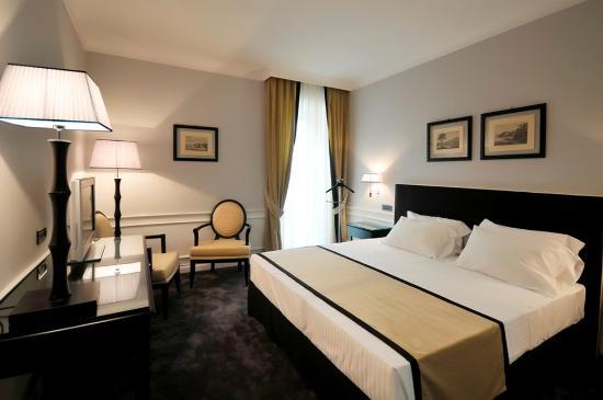 Photo of Grand Hotel Oriente Naples