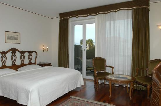 Hotel Campione: Guest room