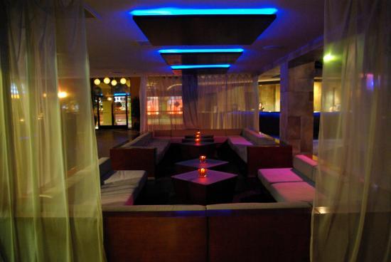 Hotel Menage: Lobby