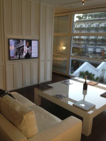 Magna Pars Suites: tv draait naar de slaapkamer !