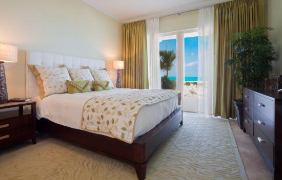 The Venetian on Grace Bay: Venetian Bedroom