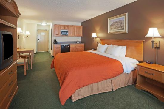 Cooperstown Inn & Suites at the Ballpark: CountryInn&Suites Milford GuestRoom