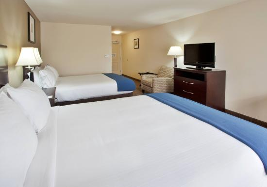 Holiday Inn Express Hotel & Suites Merced : Guest Room - 2 Queen beds