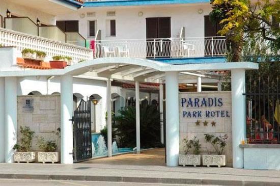 Fergus Paradis Park
