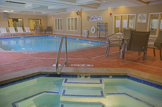 Uintah, UT: Pool & Hot Tub