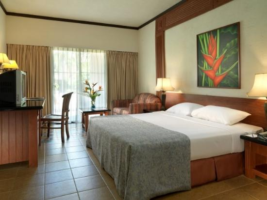 Holiday Villa Beach Resort & Spa Cherating: Deluxe Room