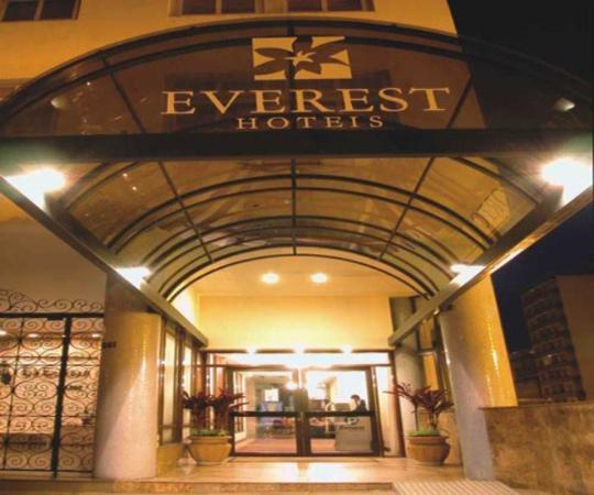 Everest Porto Alegre Hotel: Exterior