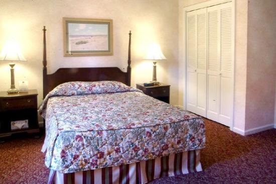 Wyndham Bay Voyage Inn: Guest Room