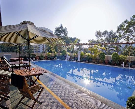 Metropole Hotel: Outdoor Pool
