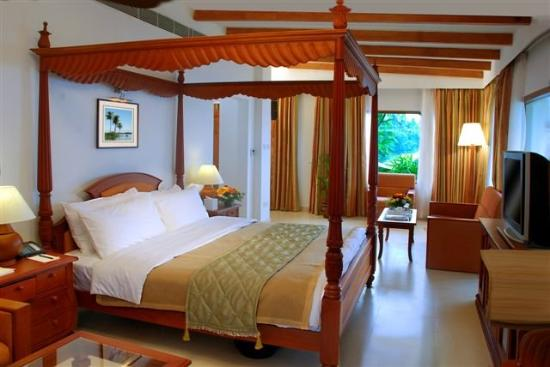 Lemon Tree Vembanad Lake Resort: Superior Suite