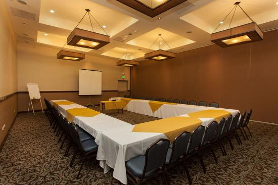 Hotel Colonial: Conference Room
