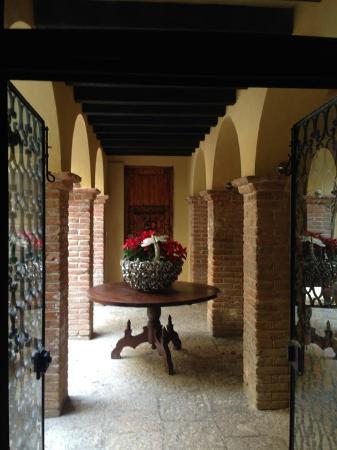 Hacienda El Santuario: Corridor