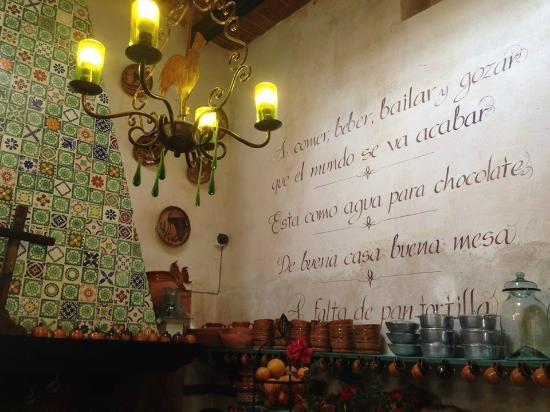 Hacienda El Santuario: Kitchen
