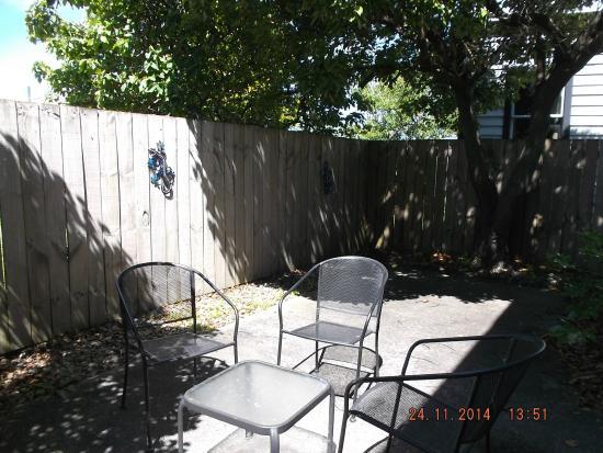 Drovers Motor Inn: Outside patio