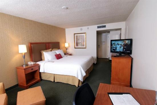 Crowne Plaza Hotel Kansas City - Overland Park Photo
