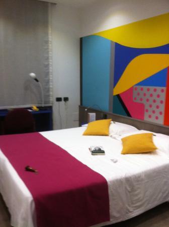 Hotel Mediolanum Milan: Camera con cromoterapia