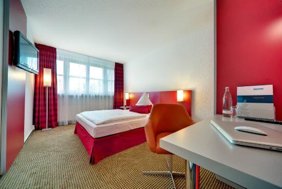 Nestor Hotel Neckarsulm: Guest Room