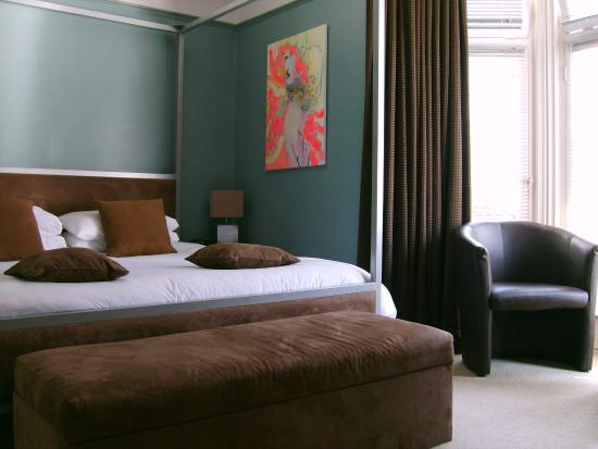 brightonwave - modern contempory room