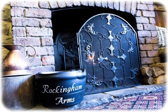 Rockingham Arms: real fires