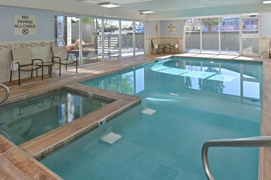 Best Western Plus Peak Vista Inn & Suites: Indoor Pool & Jacuzzi