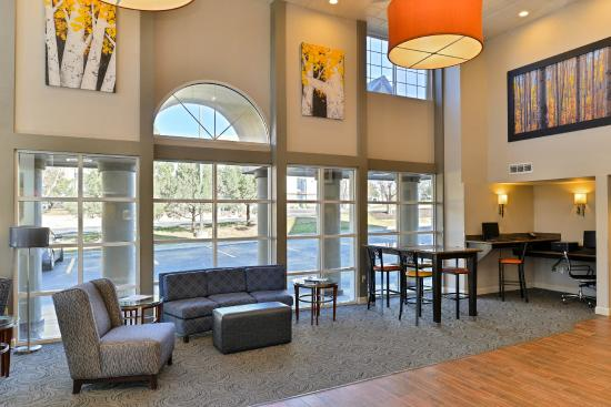 BEST WESTERN PLUS Peak Vista Inn & Suites: Lobby
