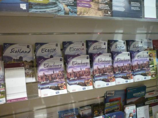 VisitScotland Edinburgh Icentre: visitor centre booklets