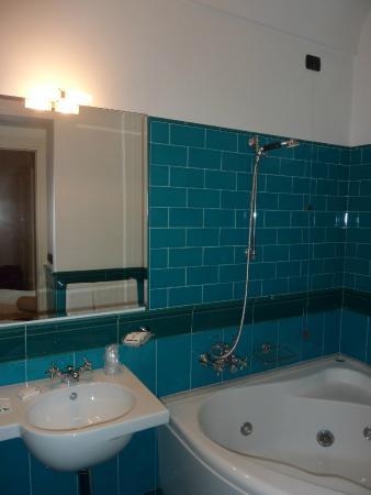 Residence Hotel: Our bathroom