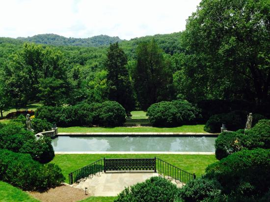 Reflection Pool At Cheekwood Picture Of Pineapple Room At