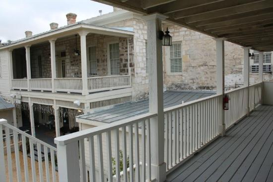 Ye Kendall Inn : From porch of room looking at second floor of main building