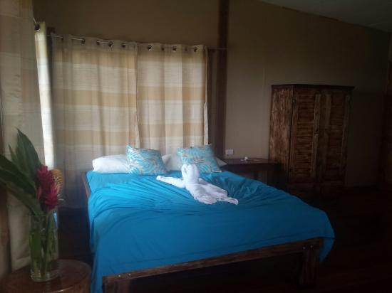 Cabinas Jade Mar: La cama es una pasada de cómoda!!!