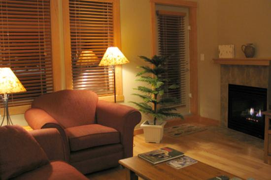 The Lodges at Canmore: Living Room