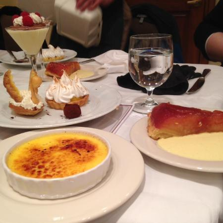 Elkhart Lake, Ουισκόνσιν: Some of desserts made during French pastries class