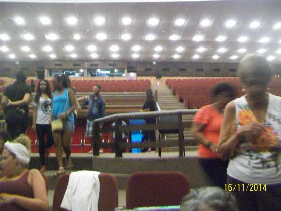 Teatro Castro Alves: início da chegada do público