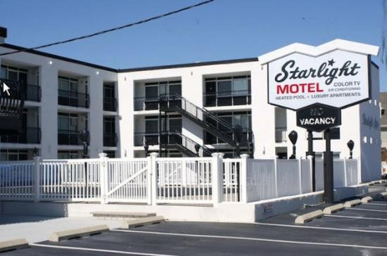Starlight Motel & Luxury Suites: Exterior