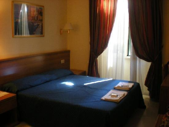 Photo of Hotel Principe Di Piemonte Rome