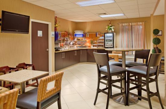 Holiday Inn Express St. Louis