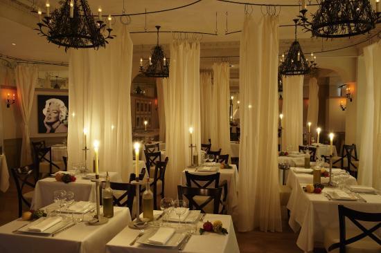 Hôtel Barrière Le Majestic Cannes: La Petite Maison De Nicole