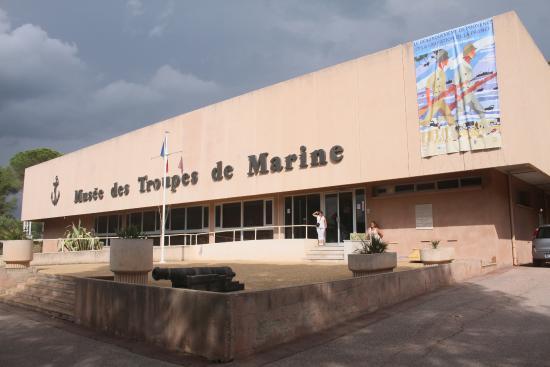 Frejus, France: entrée du musée