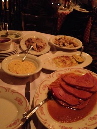Maggiano's Little Italy: Alot of food for one...
