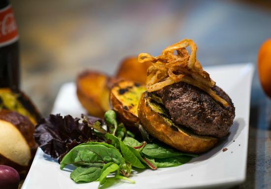 Meadow Vista, CA: Kobe Style Bistro Burger