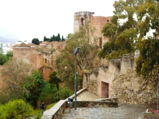 path to alcazaba picture of parador de malaga gibralfaro malaga tripadvisor. Black Bedroom Furniture Sets. Home Design Ideas