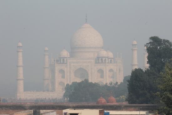 Saniya Palace Restaurant: Taj View, a little overcast